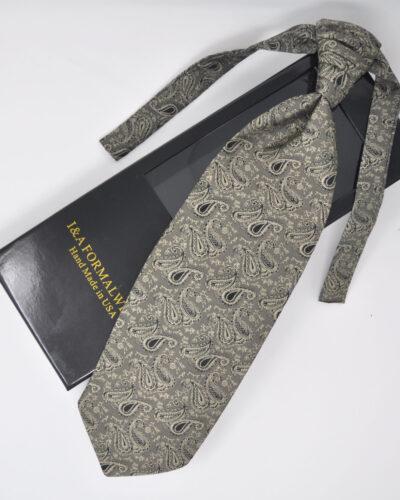 Renaissance Style Ascot Tie